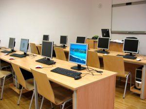 classroom-1761864_1280